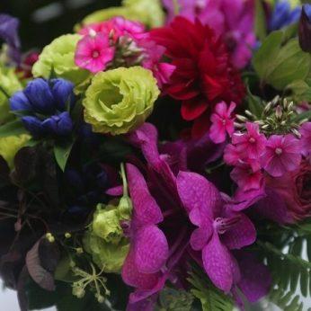 blog-women-flowers-1